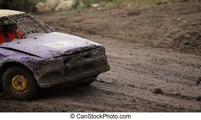 Racing cars - Racing without rules on old cars and the dirt...