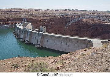 Glen Canyon Dam - glen canyon dam on the colorado river in...