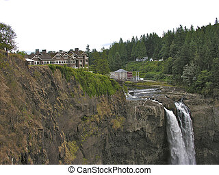 Snoqualmie Falls, Washington - Gorgeous Snoqualmie Falls in...