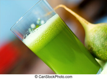 Fresh green juice - Fresh vegetarian cucumber-raddish juice