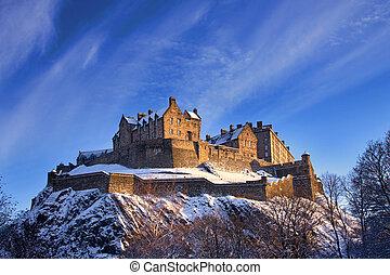 Edimburgo, castelo, em, Inverno, pôr do sol