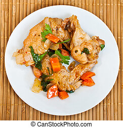 chicken wings - Fried chicken wings with vegetables...