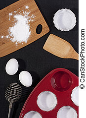 Silicone Bakeware - Silicone bakeware red with paper cups...