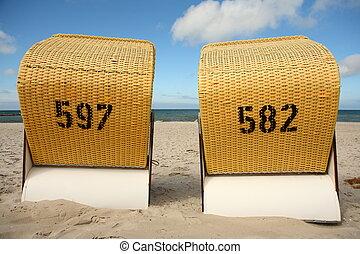 Roofed beach chairs - island ruegen
