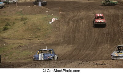 Large number of participants - Extreme off-road racing to...