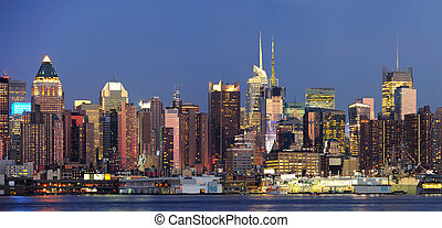 New York City Manhattan at dusk - New York City Manhattan...
