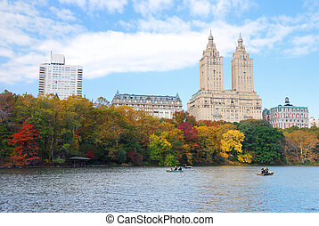 New York City Manhattan Central Park panorama in Autumn lake...