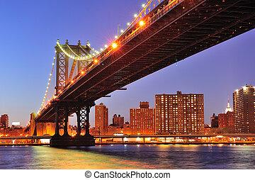 New York City Manhattan Bridge over East River