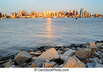 New York City Manhattan at Hudson River Shore - New York...