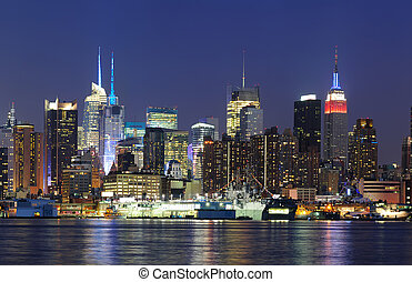 New York City Manhattan midtown skyline at dusk - New York...