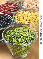 Split peas and other legumes (black beans, canary beans,...