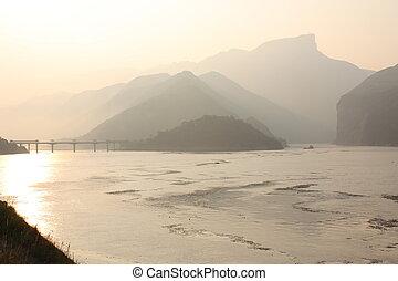 Mystic sunrise at Yangtze river