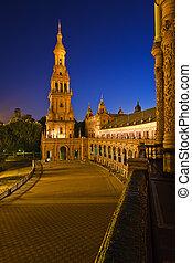 Plaza de Espana, Sevilla - Plaza de Espana at night,...