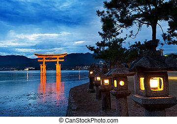 O-Torii - Great floating gate (O-Torii) on Miyajima island...