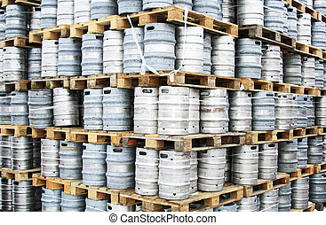 Beer kegs - Empty beer kegs on pallets