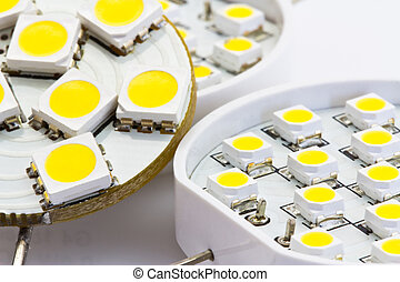 LED light bulbs G4 compare with the 1-chip and 3-chip SMD...