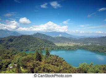 View of the Sun Moon Lake - The beautiful Sun Moon Lake in...