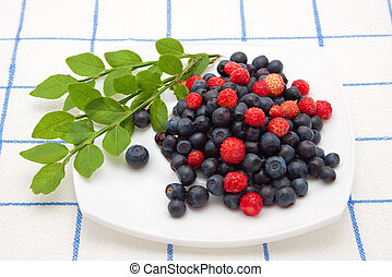 mix of blueberries and strawberries