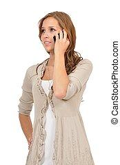Junge Frau telefoniert nachdenklich