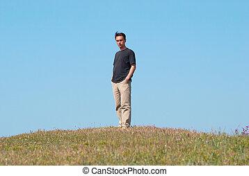 campo, pasto o césped, joven, hombre