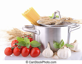 cooking pot with spaghetti and ingredient tomato sauce