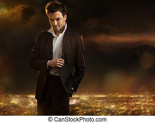elegante, joven, guapo, hombre, encima, noche, ciudad, Plano...