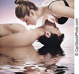 conceptual, retrato, joven, pareja, balneario