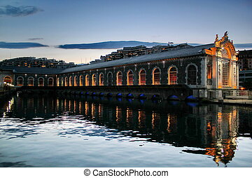 Batiment des Forces-Motrices by night, Geneva, Switzerland -...
