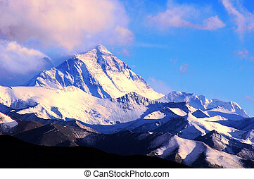 Mount Everest - Landscape of Mount Everest from the north...