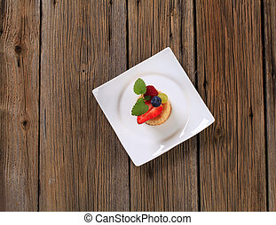 Puff pastry shell with fruit