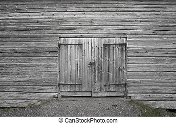 Wooden door - Dorr on old gray wooden barn