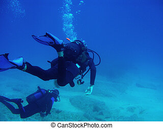Two Scuba Divers With CopySpace - Diver with bubbles and...