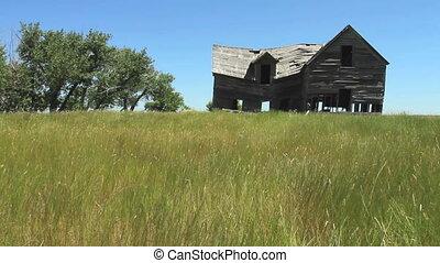 Old Farm House - Abandoned old farm house