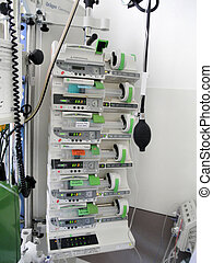 On the intensive care unit; apparate and technology to save...