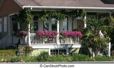 Summer Cottage - A pretty little summer cottage with front...