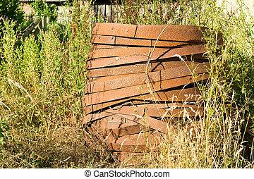 Rusted barrel hoops