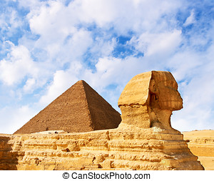 Egyptian history - Great pyramid and Sphinx on Giza.