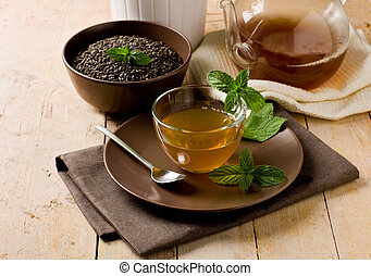 Green mint tea - photo of delicious green mint tea in glass...
