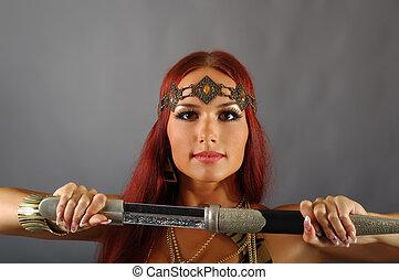 mujer, tenencia, espada, ella, mano