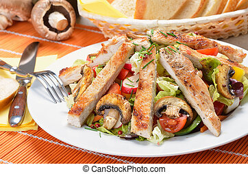 Turkey escalope on mixed salad - Grilled turkey and fried...
