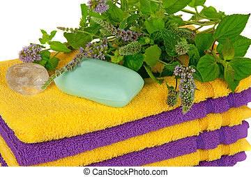 Towels with fresh mentha and crystall ( spa concept)