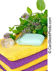 Towels with fresh mentha and crystal ( spa concept