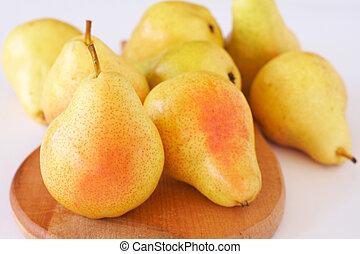 maduro, amarillo, peras