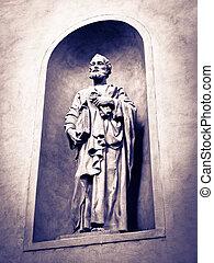 Saint Peter statue