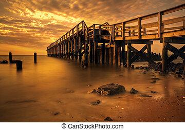 Delaware Bay Fishing Pier