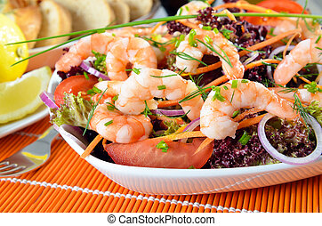 Italian salad with shrimps - Delicious salad with lollo...