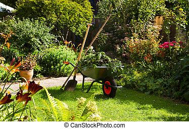 trabalhando, carrinho de mão, jardim