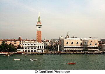 San Marko, Venedig vom Schiff aus - Markusplatz, Campanile...