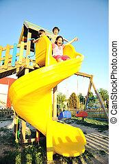 niños, juego, slider