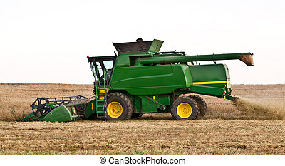 Combine harvester cut and separate crops